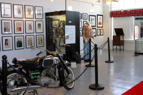 Roger Miller Museum - permanent exhibition - 2004